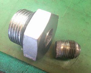 油圧ホース折れ込みアダプタ
